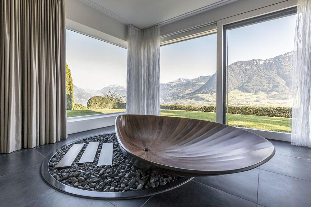 Freistehende Badewanne aus Holz